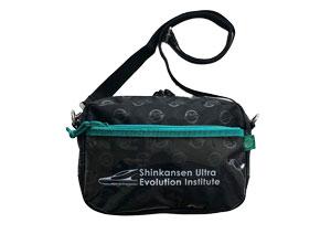 『新幹線変形ロボ シンカリオンZ』OUTDOOR PRODUCTS コラボシリーズショルダーバッグ